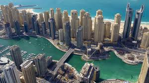 Even though worlds apart this shot of Dubai reminded me of the Chicago River winding through the downtown area back home